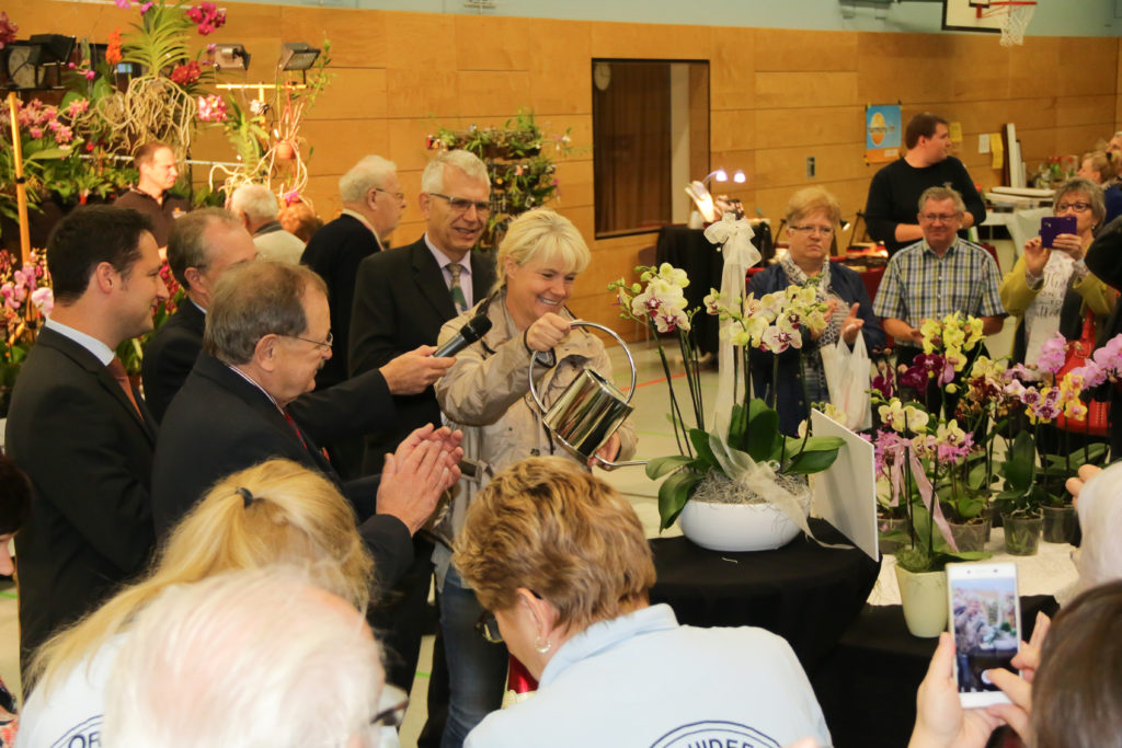 Orchideentaufe durcg Frau Nele Neuhaus